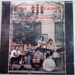 Los Mustang interpretan canciones de los Beatles.